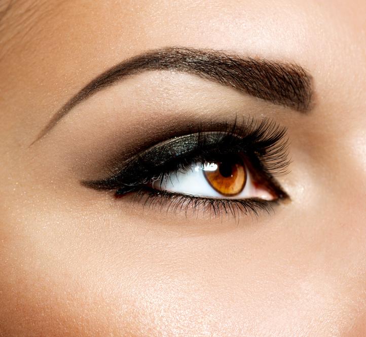 Lidkorrektur - Strahlende Augen hingegen heben die Persönlichkeit hervor und wirken sympathisch und vital