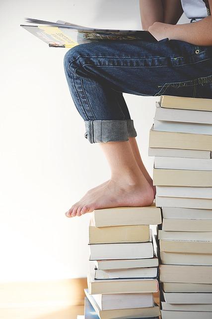 Books 1841116 640