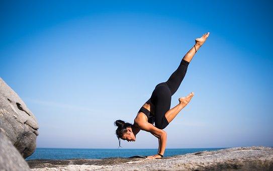 Yoga 2587066  340