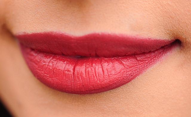 Lips 1690875 640